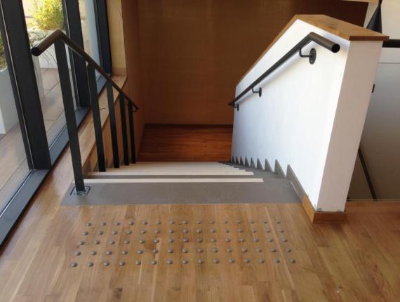 spa aquatonic nantes le parqueteur vend en. Black Bedroom Furniture Sets. Home Design Ideas